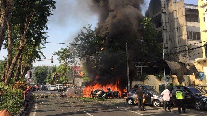 Kesaksian satpam, detik-detik mobil pelaku bom meledak di gereja