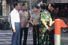 4 Aksi Jokowi turun langsung tinjau lokasi teror bom di Surabaya