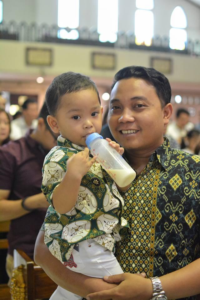 risma kuatkan anak aloy © 2018 brilio.net berbagai sumber