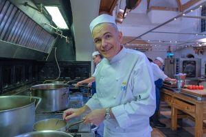 5 Potret kesibukan juru masak jelang pernikahan Pangeran Harry-Meghan