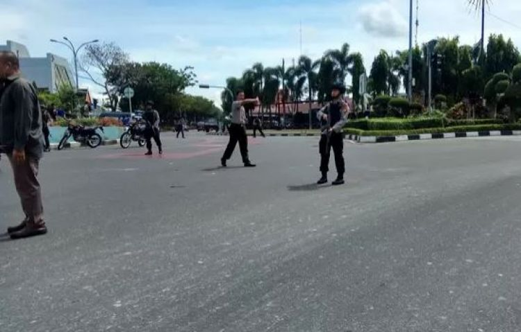 Ini kesaksian 2 wartawan yang ditabrak mobil teroris di ...