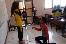 Viral video bocah SMP 'nembak' cewek , teman sekelas histeris