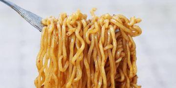 Bisa bikin lemes, 4 jenis makanan ini baiknya dihindari saat sahur