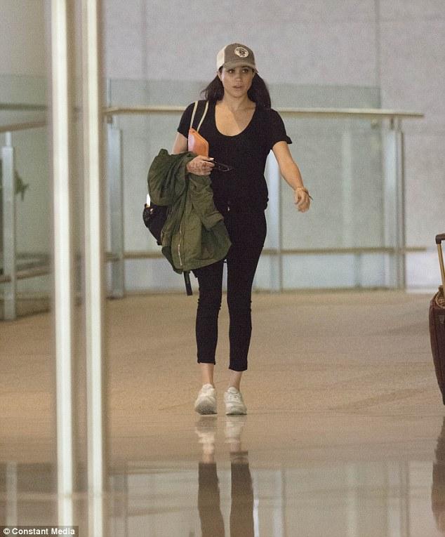 airport style meghan markle © meghansmirror.com