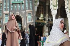 5 Potret aktivitas Kartika Putri saat umrah pada Bulan Ramadan