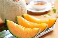 Fantastis, sepasang buah melon ini dijual seharga mobil Innova