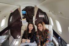 Bergaya hidup mewah, begini 7 penampakan jet pribadi Maia Estianty