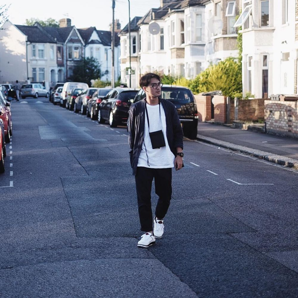7 Gaya OOTD  ala Ricky Harun untuk inspirasi outfit saat