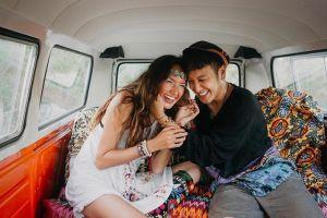 6 Potret prewedding Nadine dan Dimas Anggara, seru bergaya bohemian