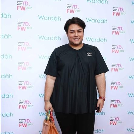 Kerap tampil sederhana, 7 fashion item Ivan Gunawan harganya fantastis