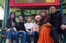 7 Potret harmonis keluarga Andra Ramadhan yang jarang terekspos