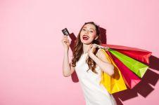 3 Fasilitas kartu kredit ini nggak bikin kamu khawatir tekor belanja