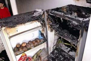 Jangan simpan 4 benda ini di dalam freezer, bisa bikin meledak