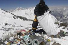 8 Potret miris tumpukan sampah di Gunung Everest, bikin ngelus dada