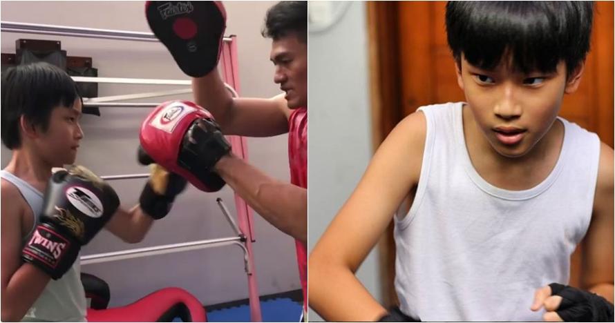 7 Aksi Azka Corbuzier latihan boxing, OTW kuat seperti ayahnya