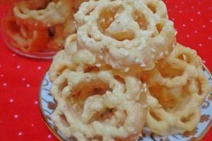 Cara gampang bikin kembang goyang, kue lezat nan jadul khas Lebaran
