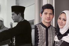 8 Pesona si cakep Iko Uwais dengan baju muslim, gantengnya elegan