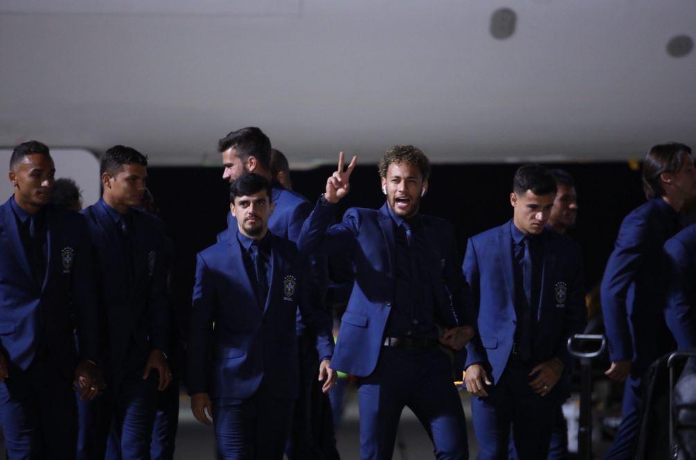 Gaya keren Timnas negara peserta Piala Dunia 2018 setiba di Rusia