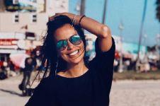 Unggah foto kenakan hijab simpel, Sophia Latjuba tuai pujian