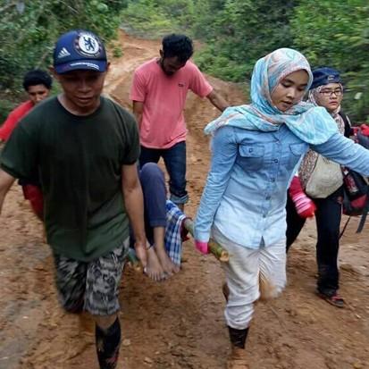 Kisahnya viral, ini 8 potret dokter Amalia pejuang di pedalaman Papua