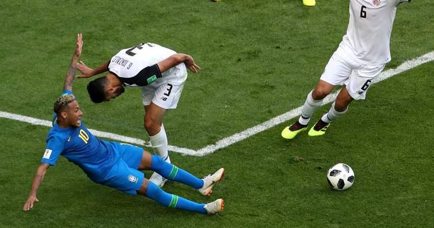 Aksi diving gagal, Neymar kembali dihajar meme