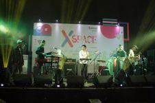 Mantra Vutura membius penonton dengan musik dance elektroniknya!