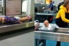 10 Kelakuan absurd penumpang saat di bandara, bikin geleng kepala