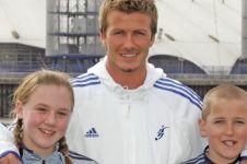 Berpose dengan Beckham, bocah ini kini menjelma jadi kapten Inggris