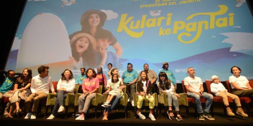 5 Alasan kenapa anak millenial wajib nonton film Kulari ke Pantai