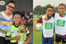 8 Aksi lincah Lio dan Diego, anak Darius-Donna yang tekuni sepak bola