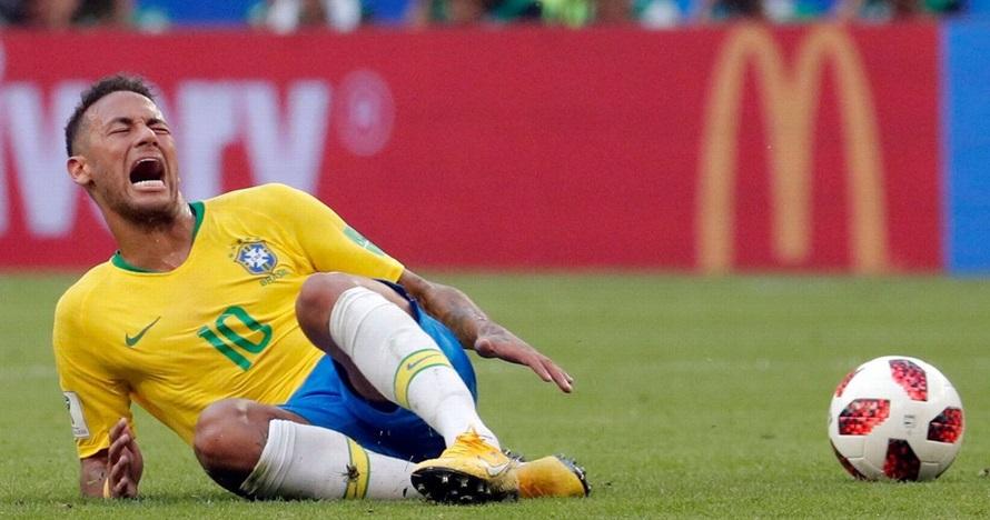 Kerap drama cedera, ini total durasi Neymar terkapar di Piala Dunia