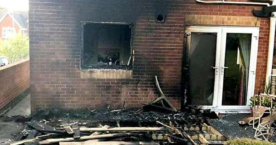 Kamu tak akan sangka penyebab rumah ini terbakar, gara-gara hal sepele