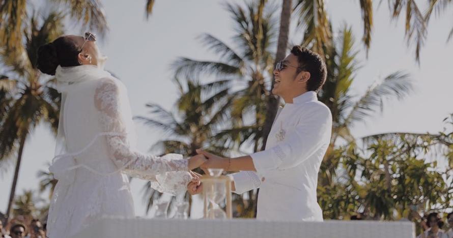 Sah! Ini 12 momen manis pernikahan Nadine dan Dimas Anggara