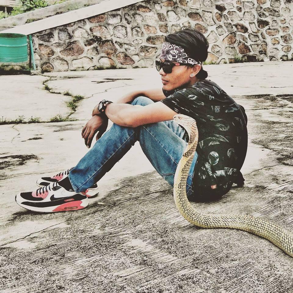 risky ular kobra © 2018 brilio.net