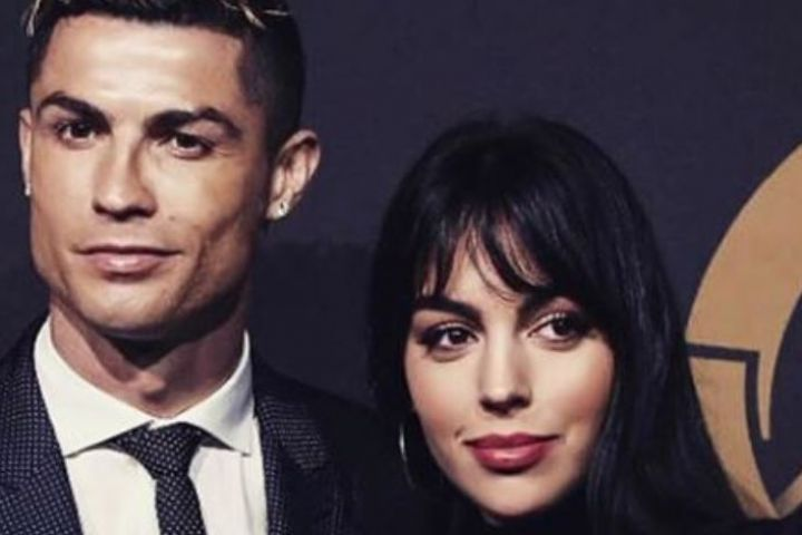 CR7 ke Juventus, ini sinyal kepindahan dari sang pacar pada bulan lalu