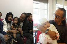 Jauh dari kesan sangar, 8 foto ini bukti Yayan Ruhian sosok family man
