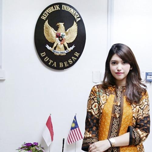 dewi paramita sekretaris pribadi menteri  © 2018 brilio.net