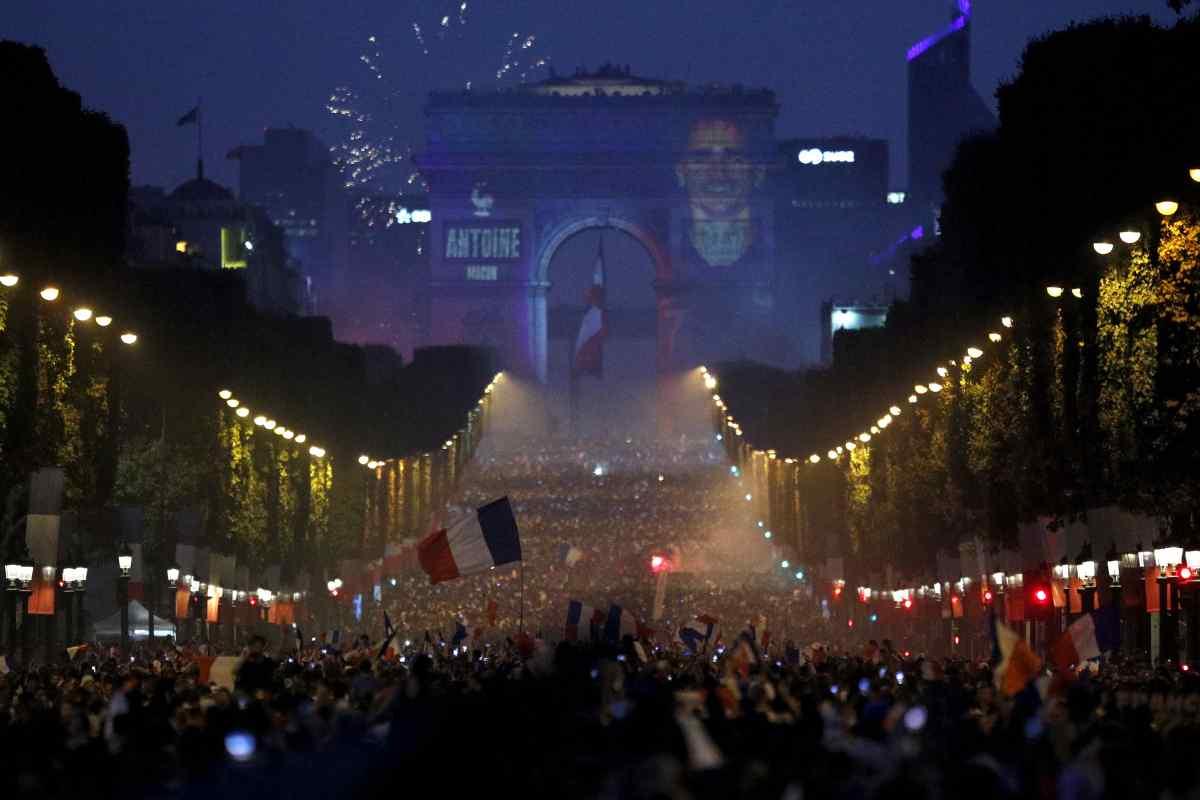 12 Potret euforia warga Prancis usai timnya juara Piala Dunia 2018