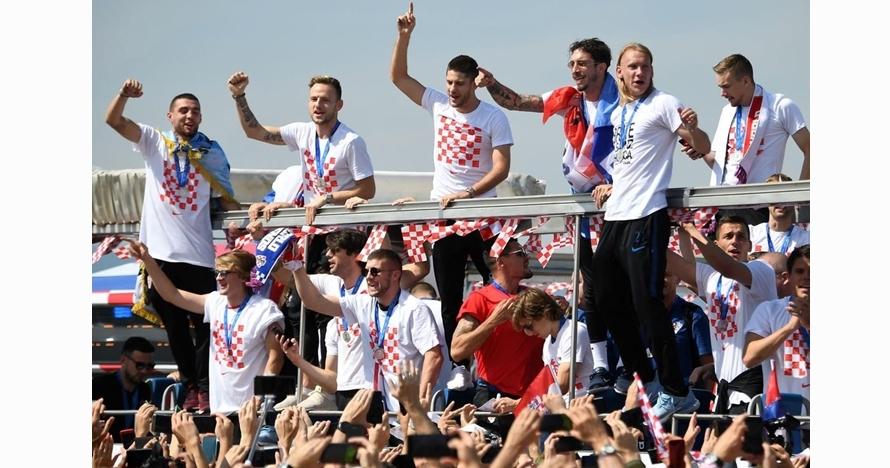 Bak pahlawan, begini 10 potret meriah penyambutan timnas Kroasia