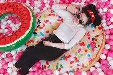 10 Pesona Yolanda Theresia, YouTuber yang cantiknya bak Barbie
