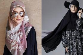 10 Gaya hijab ala Inneke Koesherawati, dari simpel hingga retro
