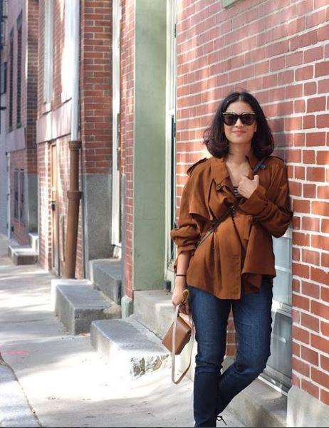 7 Gaya OOTD Outerwear ala Dian Sastro, bisa jadi inspirasi style kamu © 2018 brilio.net