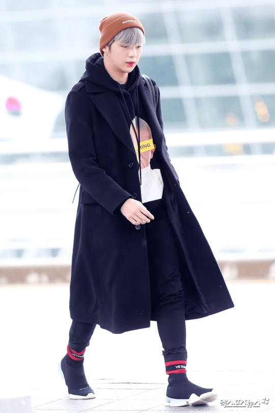 OOTD airport idol K-Pop  © 2018 brilio.net