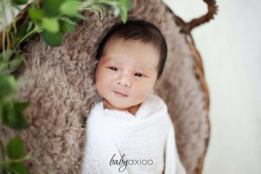 Potret newborn anak Vicky Shu © 2018 brilio.net