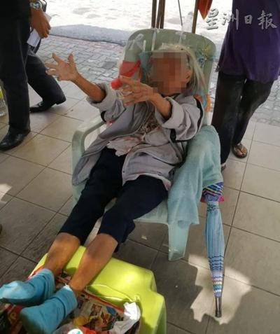 wanita 80 tahun tinggal di halte malaysia  © 2018 brilio.net