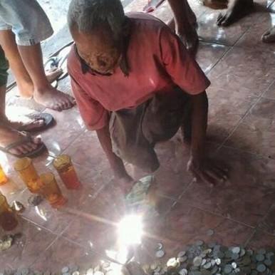Selain berkarung-karung uang, lansia Mbah Legi punya belasan gram emas