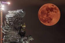 8 Penampakan gerhana bulan terlama dari berbagai kota di Indonesia