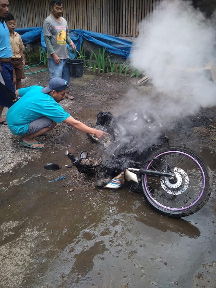 cuci motor terbakar © Facebook/info cegatan jogja