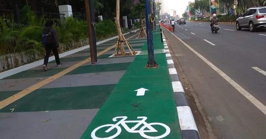 Jalur baru khusus sepeda di Jakarta ini hasilnya jadi sorotan warganet