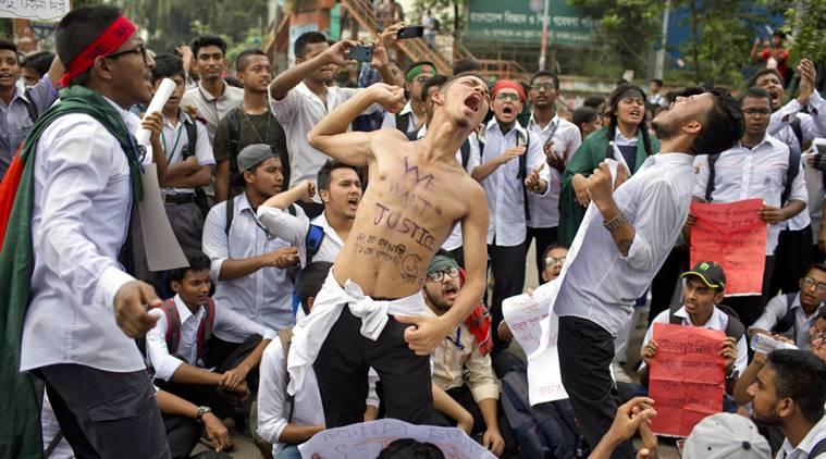 9 Aksi protes ribuan pelajar di Bangladesh, tuntut aturan lalu lintas